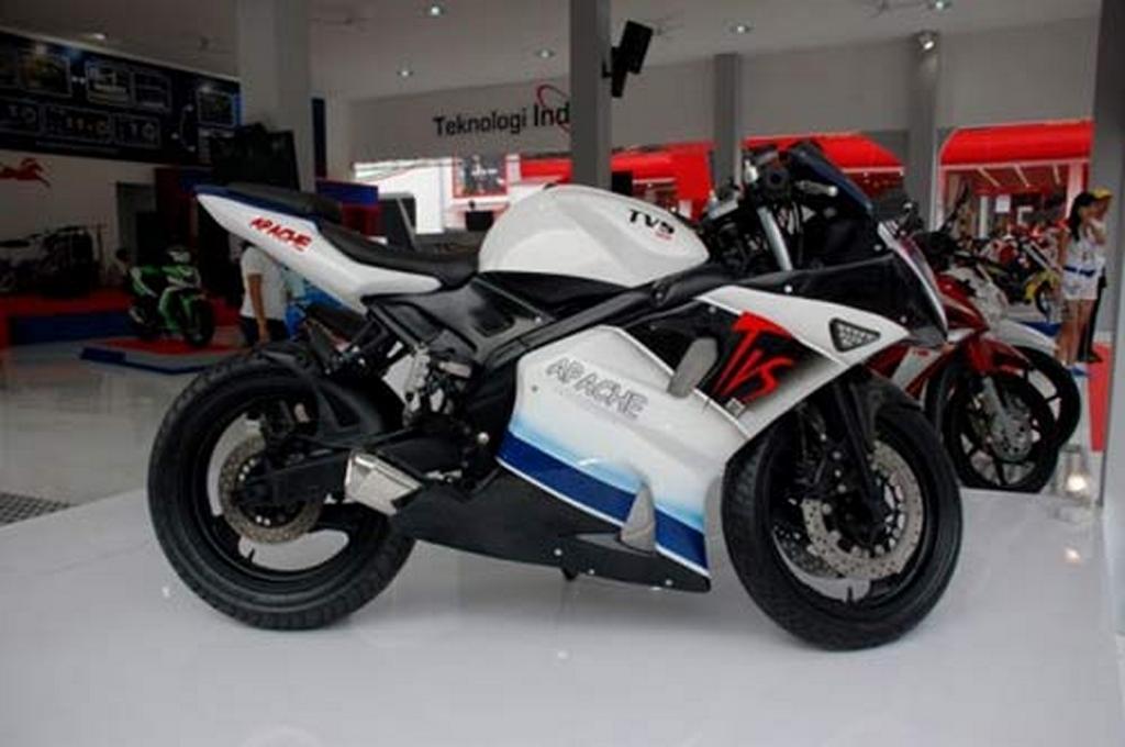 Racing_Apache_TVS.jpg