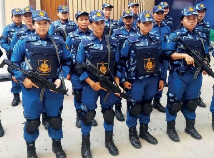 SWAT_female_team.jpg