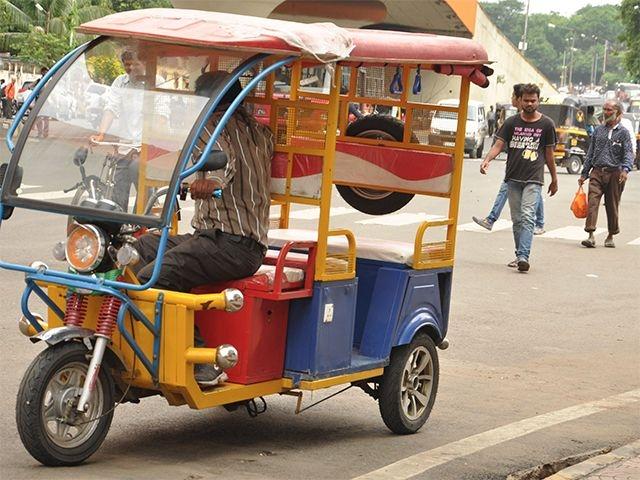 e_rickshaws.jpg