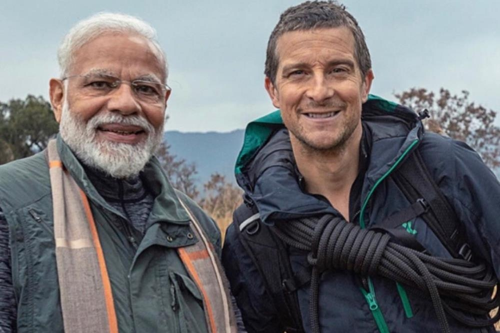 narendra_modi_with_bear_grylls_Medhaj_News.jpg