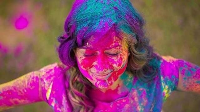 colours_of_holi.jpg